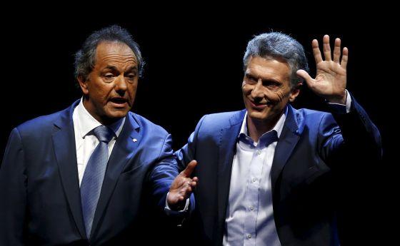 Daniel Scioli e Mauricio Macri no debate presidencial (Foto Marcos Brindicci - REUTERS)