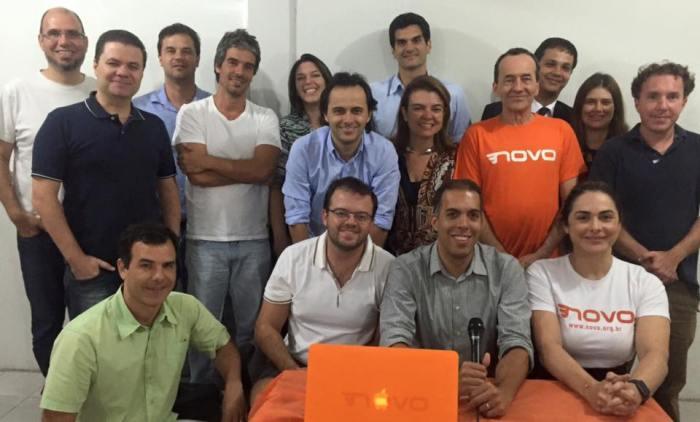 Equipe do Diretório-MG do Partido NOVO na última reunião de 2015.