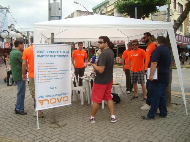 Equipe do Ação de Rua do NOVO - Resende (RJ)