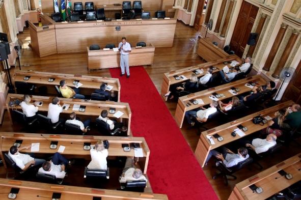 Comitiva do NOVO-PR em visita à Câmara Municipal de Curitiba
