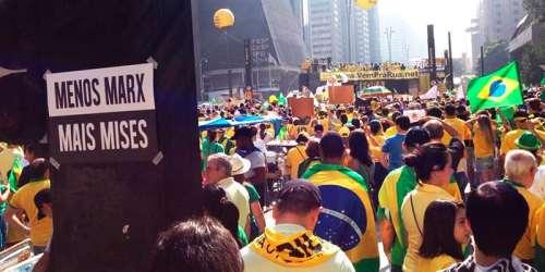 Nova Direita brasileira: Jovem, reagente e descentralizada