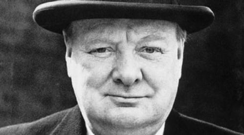 'A-estatura-de-Churchill-revelou-se-perante-a-gravidade-da-ameaça_